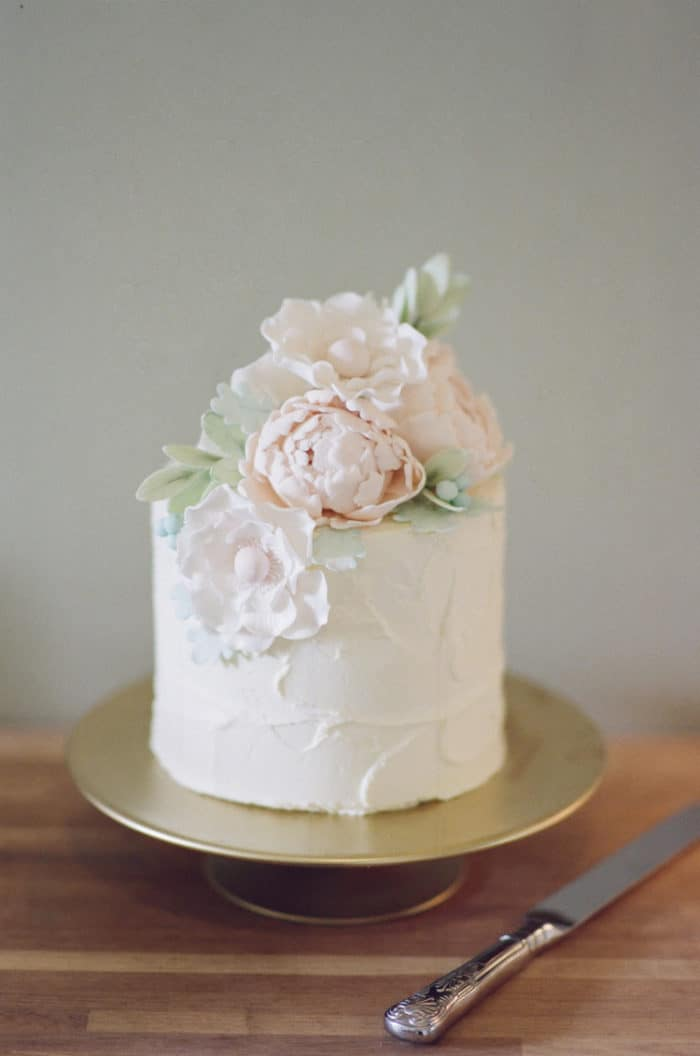 Wedding Cake Details At The Barnsley House In The Cotswolds In England On Her Wedding Day