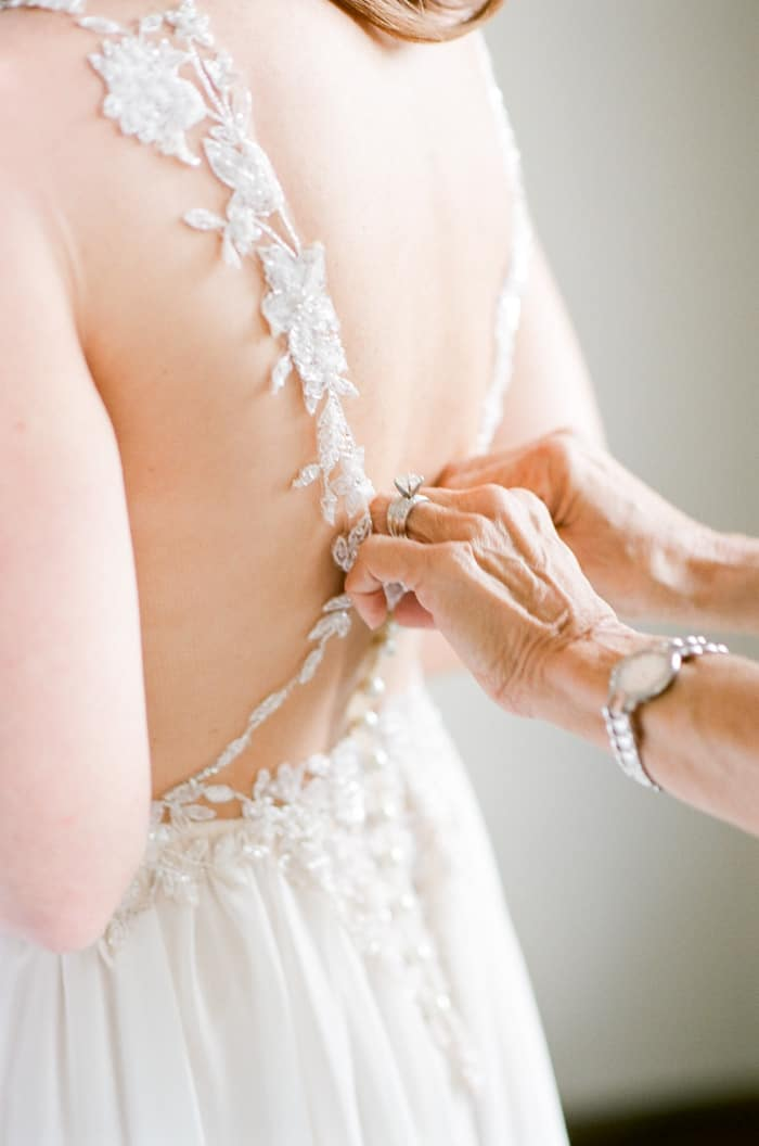 Bride Getting Ready With Mom At The Westin Riverfront And Spa In Beaver Creek With Calluna Events