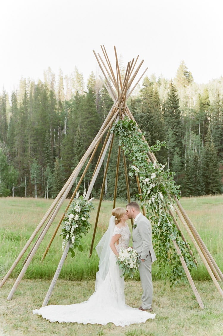 eaton-ranch-vail-summer-wedding_01