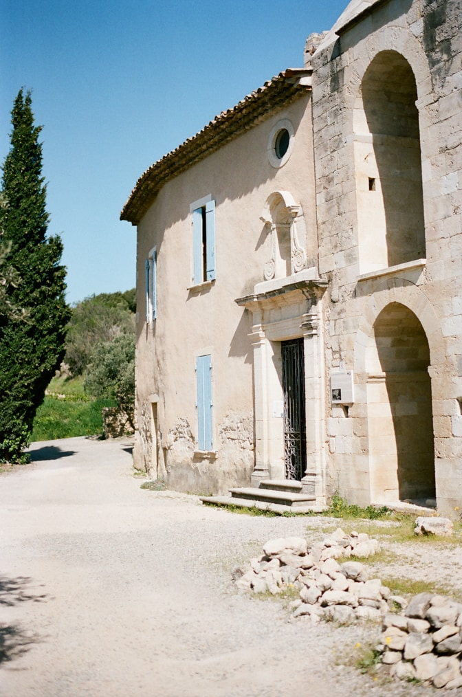 Streets of Venasque in Provene photographed by luxury destination wedding photographer Tamara Gruner