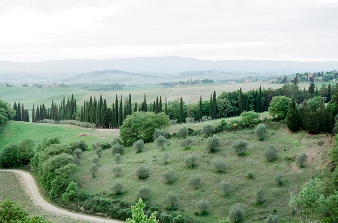 A luxury destination wedding photographer's tour guide to tuscany