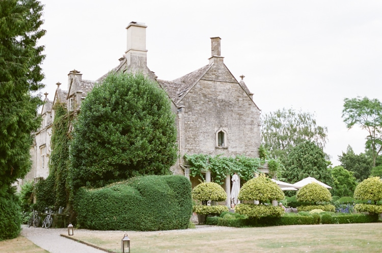 A luxury English wedding venue in the Cotswolds - the Barnsley House