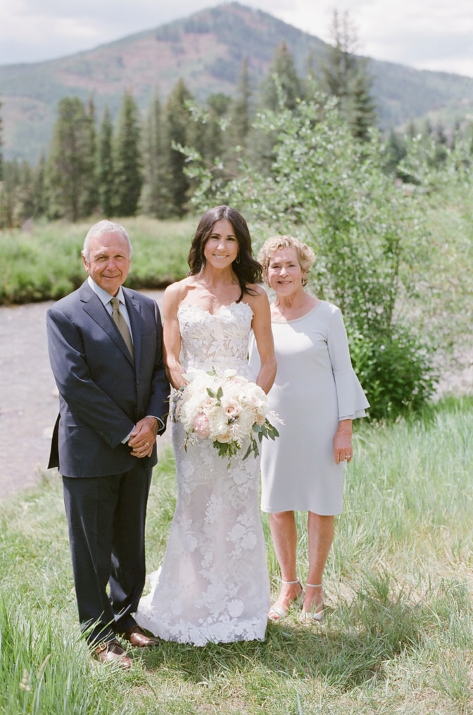 Bridal session with bride and parents in Vail